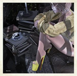 Heels, sweater and coffee (blog)